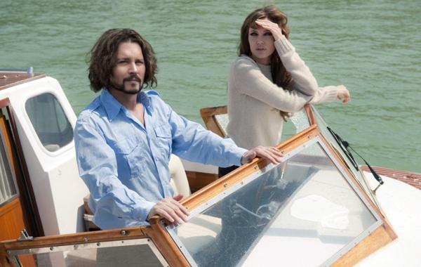 Джонни Депп и Анджелина Джоли на катере
