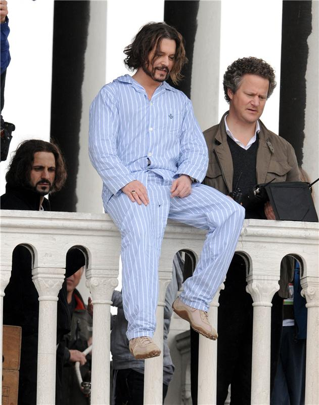 Джонни Депп в пижаме